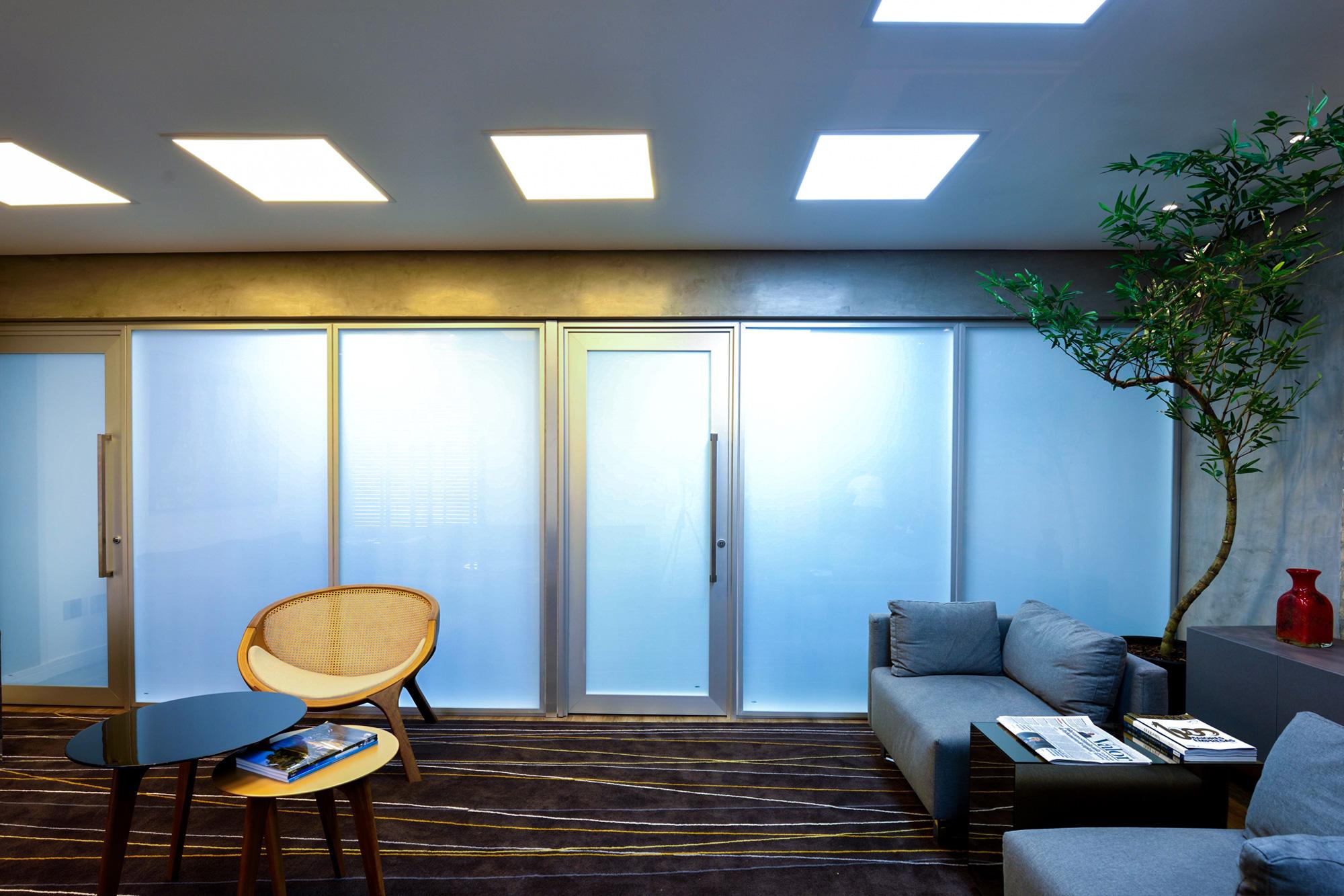 banner sala com vidro inteligente desligado